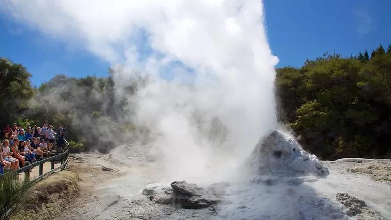 Hầm lưu huỳnh ở thành phố Rotorua