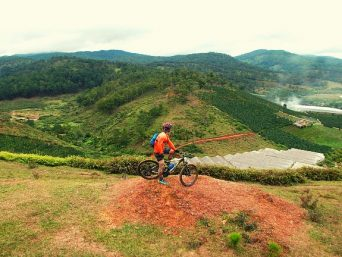 xe-dap-dia-hinh-mountain-biking-du-lich-da-lat-2